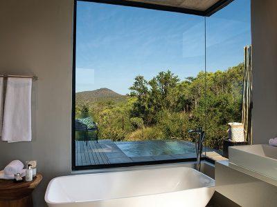 uMfolozi Big Five Reserve - Biyela _bathroom view_private pool