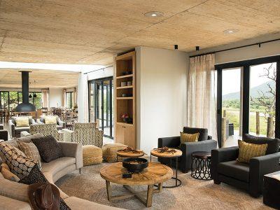 uMfolozi Big Five Reserve - Mthembu _guest lounge